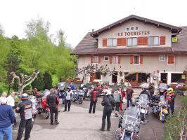 AUX TOURISTES