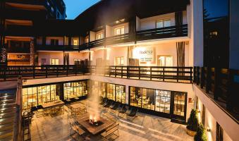 HOTEL LE ROCK NOIR ET SPA